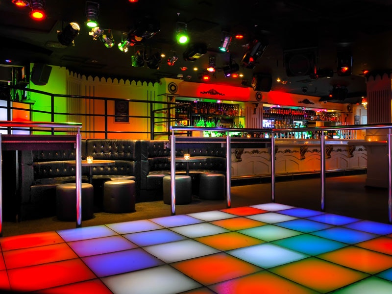 Saturday Guestlist and Q-Jump to Strawberry Moons in London