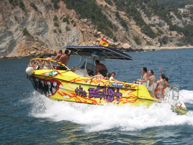 4 Hour Large Speedboat (The Beast) up to 15 People