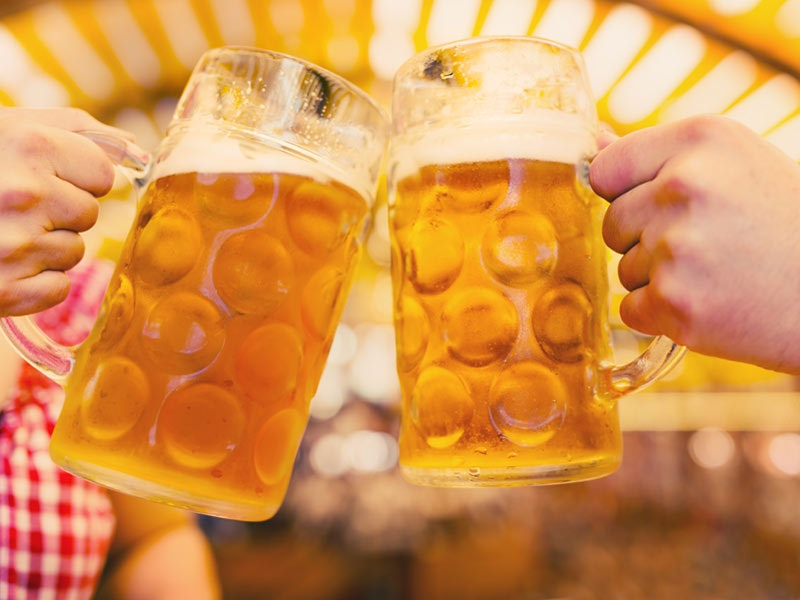 Edinburgh Bierkeller Experience - Berlin Package