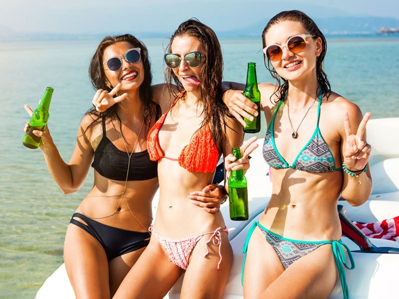 4 Hour Boat Party incl. Brunch and Nightclub in Ibiza