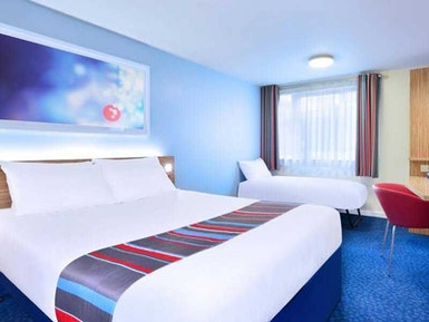 Travelodge Cardiff Central Queen Street