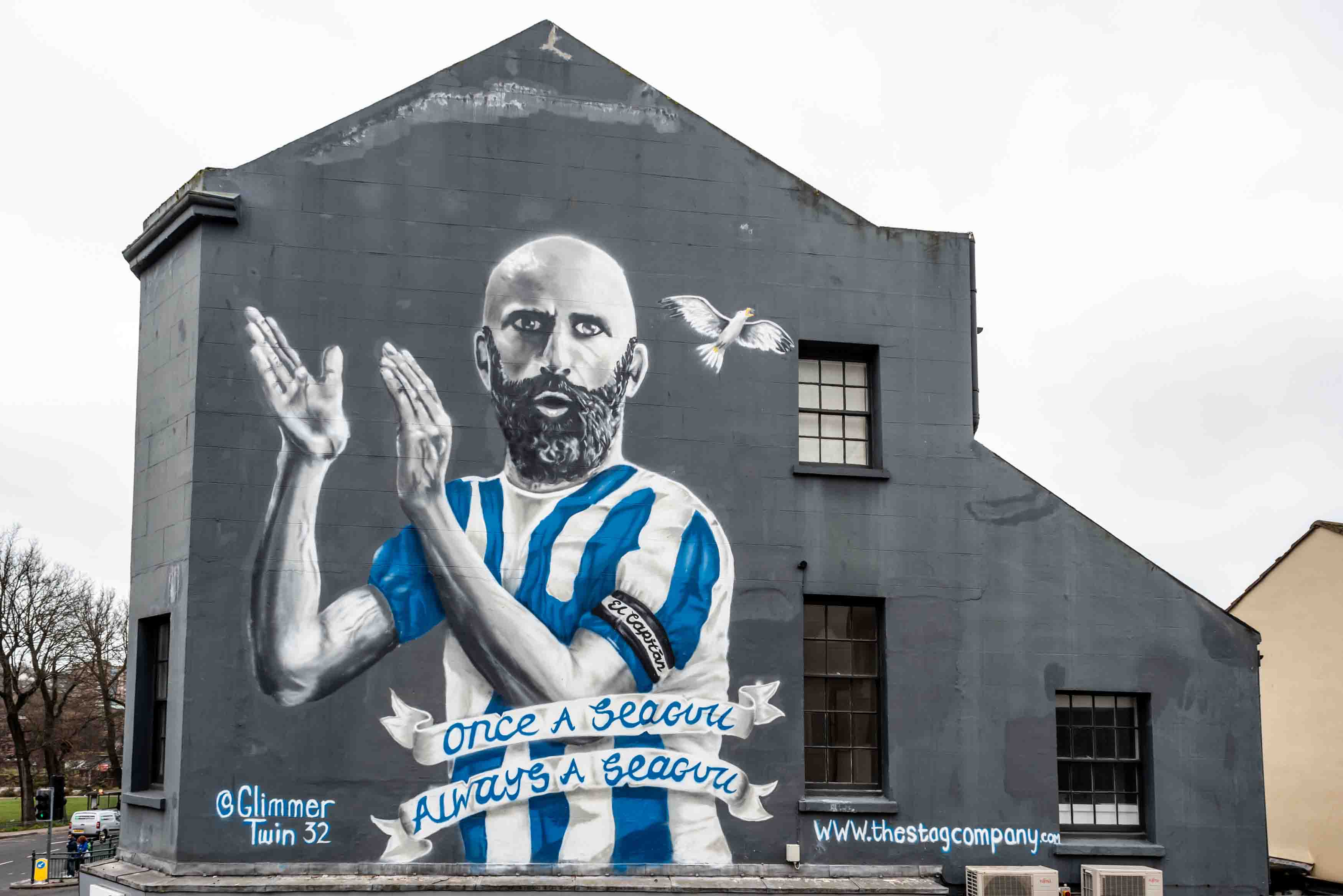 Press Release: Bruno gives the thumbs up to new city centre mural